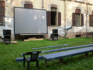 Il cinema all'aperto del Mezcal Squat